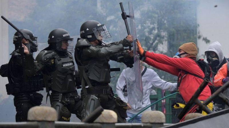 Colombia:Bienvenidos al presente