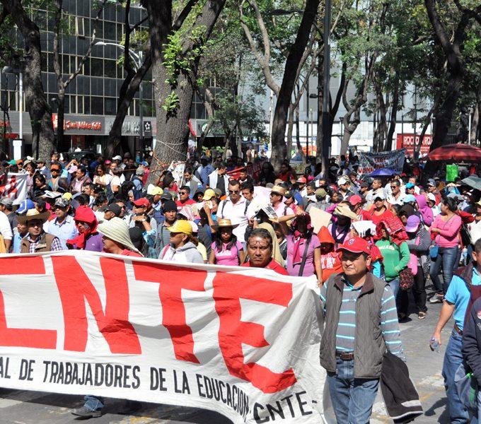 La rebelión en las bases de la CNTE avizora: